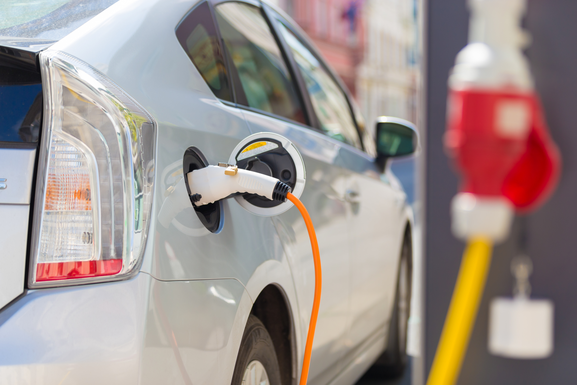 electric car charging stations are one of the top apartment community amenities for 2018